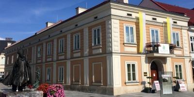 Historia Karola Wojtyły jako spektakl kukiełkowy. Papieskie muzeum zaprasza