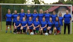 Drużyna piłkarska kobiet zaprasza dziewczyny na treningi!