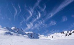 Niezbędnik narciarski. O czym trzeba pamiętać?