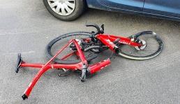 Poważne wypadki z udziałem rowerzystów. Miłośnicy dwóch kółek i kierowcy uważajcie!