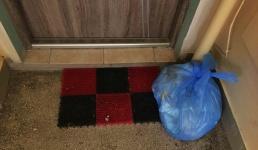 Worki ze śmieciami na klatkach to dla niektórych problem. Wasi sąsiedzi też tak robią?