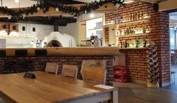 Pierwsze restauracje otwierają się na klientów. Właściciele mają dosyć nielogicznych obostrzeń
